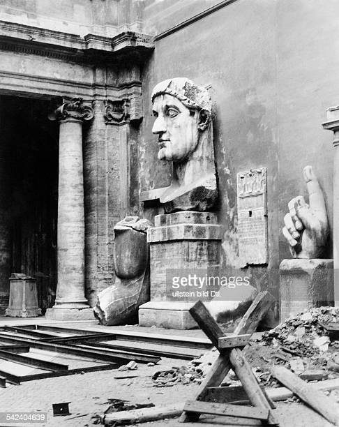 Italy Lazio 1870/186170 Stato Pontifico / Papal State Roma Rome Rests of a colossal statue of Constantine the Great in the court of the Capitoline...