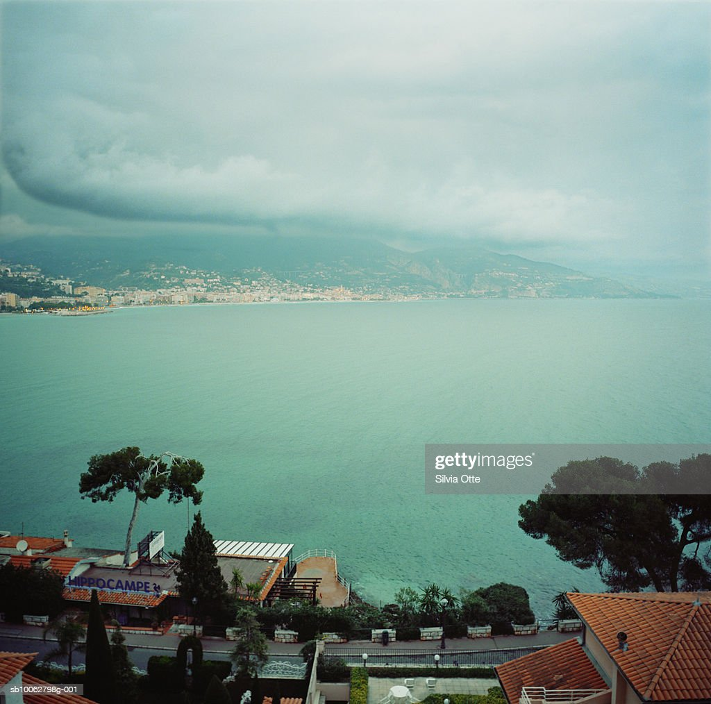 Italy, Liguria, town and bay, elevated view : Stock Photo