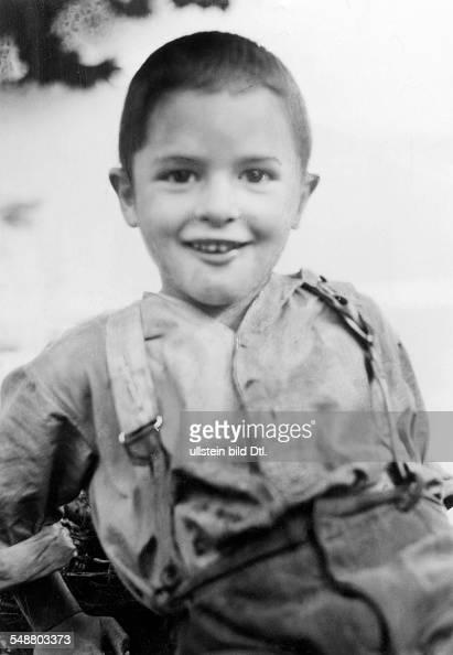 Little Boy Portrait 1930 Photographer Laszlo MoholyNagy Published by 'Der Querschnitt' 11/1930 Vintage property of ullstein bild