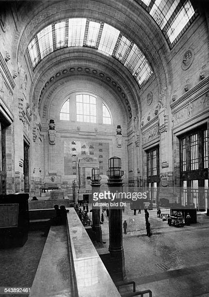 Italy Lombardei Lombardia Lombardy Mailand Milano Milan Central Station interoir view Photographer Sennecke 1931Vintage property of ullstein bild