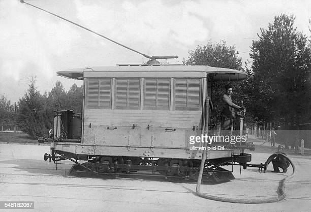 Italy Lombardei Lombardia Lombardy Mailand Milano Milan Trolley system vehicle for the watering of grassed areas Photographer Hutin Trampus Co...
