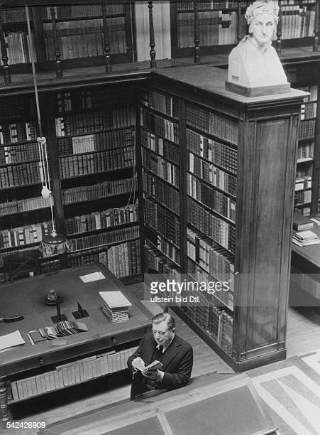 Italy Lombardia Milano Marchese Melzi di Soragna in his library in Milan 1933 Photographer Alfred Eisenstaedt Published by 'Die Dame' 24/1933 Vintage...