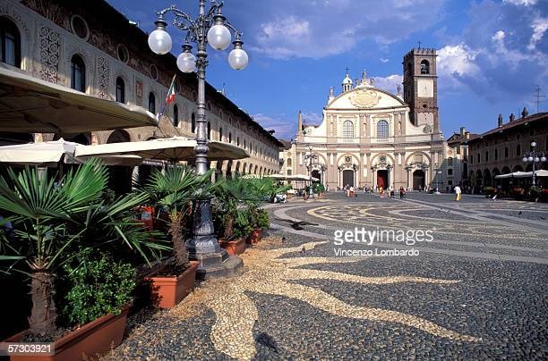 Italy, Lombardy, Vigevano,  Piazza Ducale, Duomo.