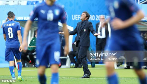 Italy manager Antonio Conte gestures on the touchline