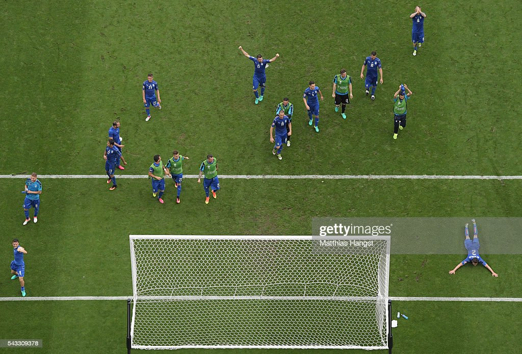 Italy players celebrate their team's 2-0 win in the UEFA EURO 2016 round of 16 match between Italy and Spain at Stade de France on June 27, 2016 in Paris, France.