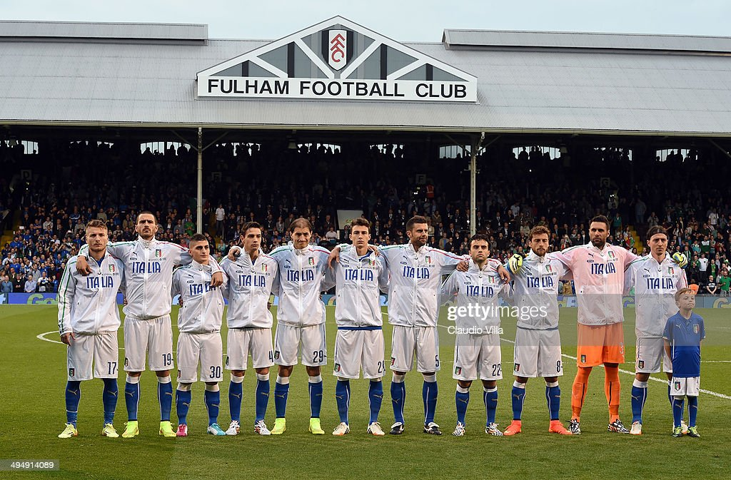 Italy players line up for a team photo before the start of the International Friendly match between Italy and Ireland at Craven Cottage on May 31, 2014 in London, England.