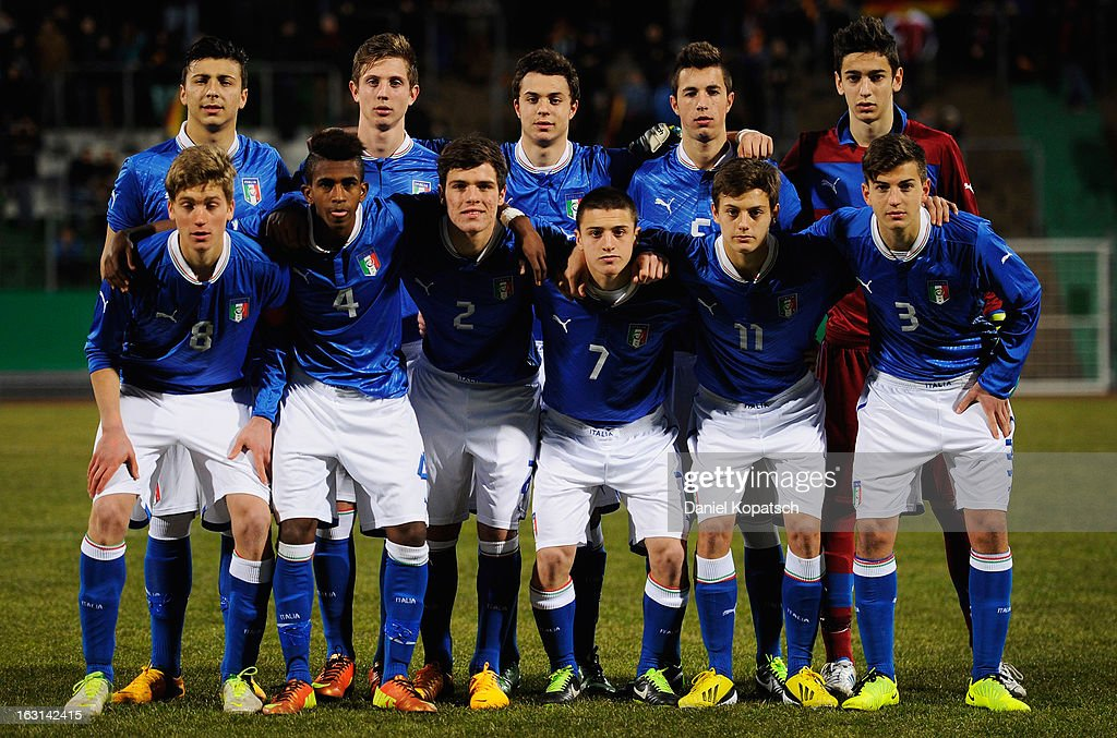 Italy players line up for a team photo prior the U16 international friendly match between Germany and Italy on March 5, 2013 at Waldstadion in Homburg, Germany.