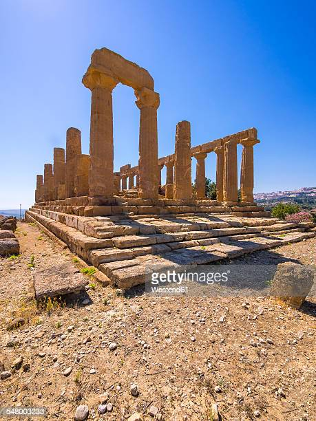 Italy, Sicily, Akragas, view to temple of Hera, temple D, at temple valley
