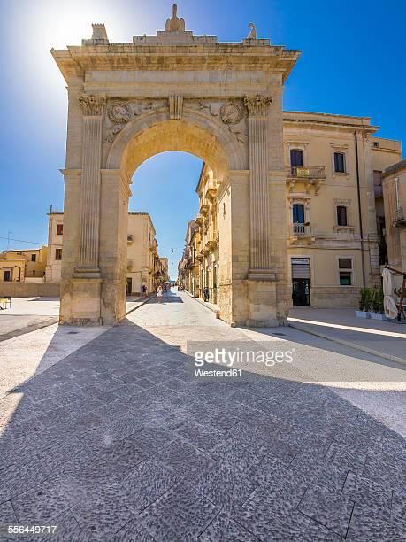 Italy, Sicily, Noto, Porta Reale at Corso Vittorio Emanuele