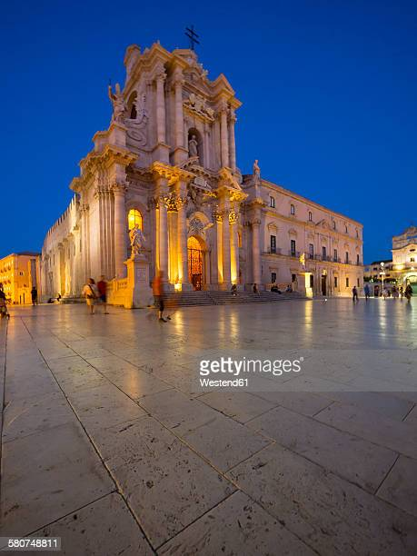 Italy, Sicily, Siracusa, Ortygia, Cathedral Santa Maria delle Colonne at blue hour