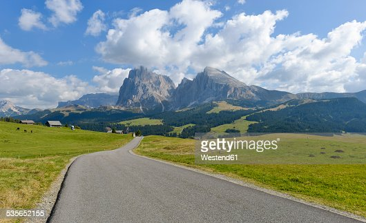 Italy, South Tyrol, Dolomites, Seiser Alm and Langkofel group