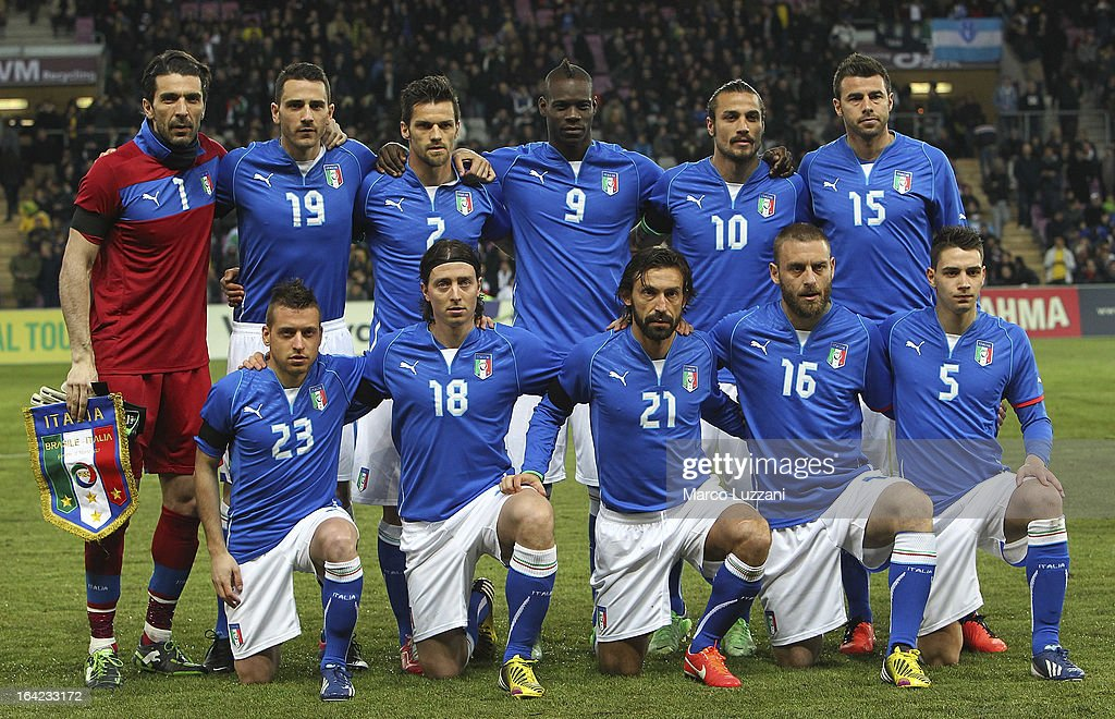 Italy team line up before the international friendly match between Italy and Brazil on March 21, 2013 in Geneva, Switzerland.