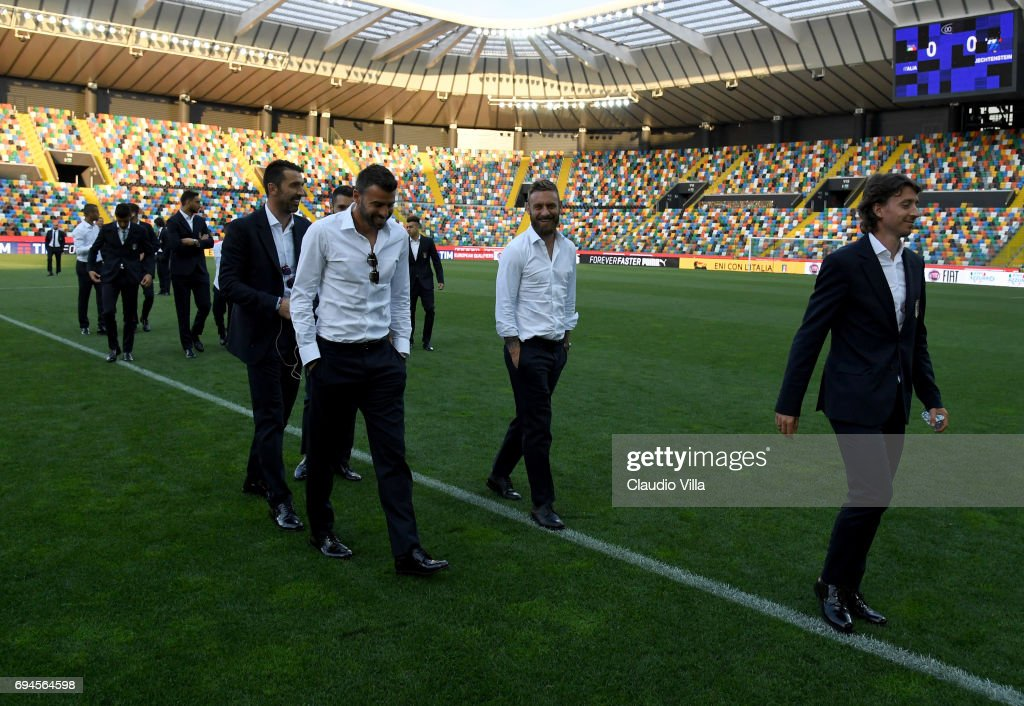 Italy team players during Italy walk around at Stadio Friuli on June 10, 2017 in Udine, Italy.
