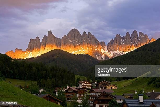 Val Di Funes Foto e immagini stock | Getty Images