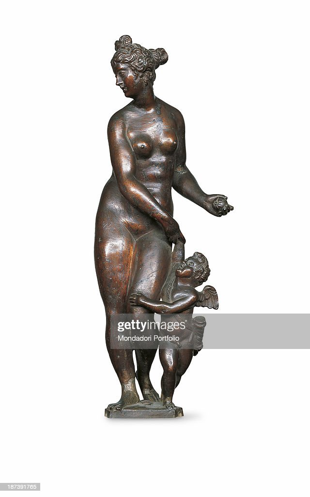Italy, Tuscany, Florence, Museo di Palazzo Davanzati, Total, Naked Venus has an apple in her left hand, symbol of her beauty, and keeps in her right hand the small winged Eros that is also attached to the left leg of the goddess and carries on his back a quiver,