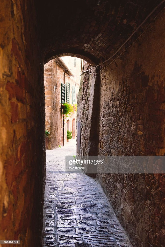 Italy, Tuscany, Pienza, Lane in historic old town