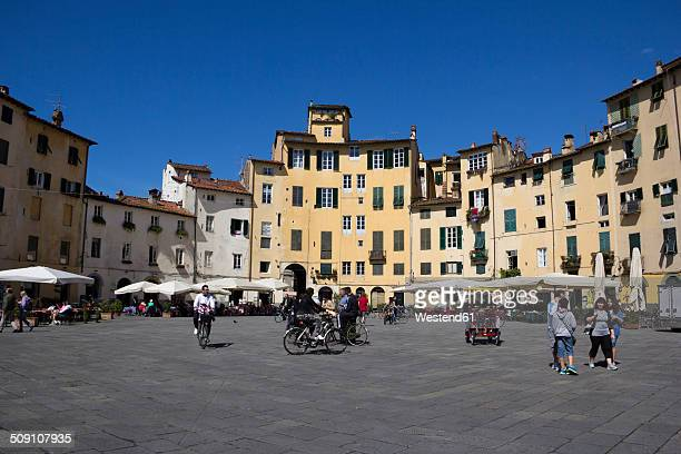 Italy, Tuscany, Province of Lucca, Lucca, Old town, Square, Piazza dell'anfiteatro