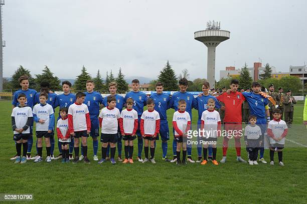 Italy U15 players poses before the U15 International Tournament match between Italy and England at Stadio Colussi on April 24 2016 in Gradisca...
