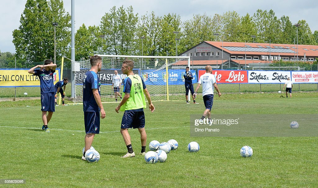 Italy U21 players during Training Session at stadio Comunale on May 30, 2016 in Mestre, Italy.