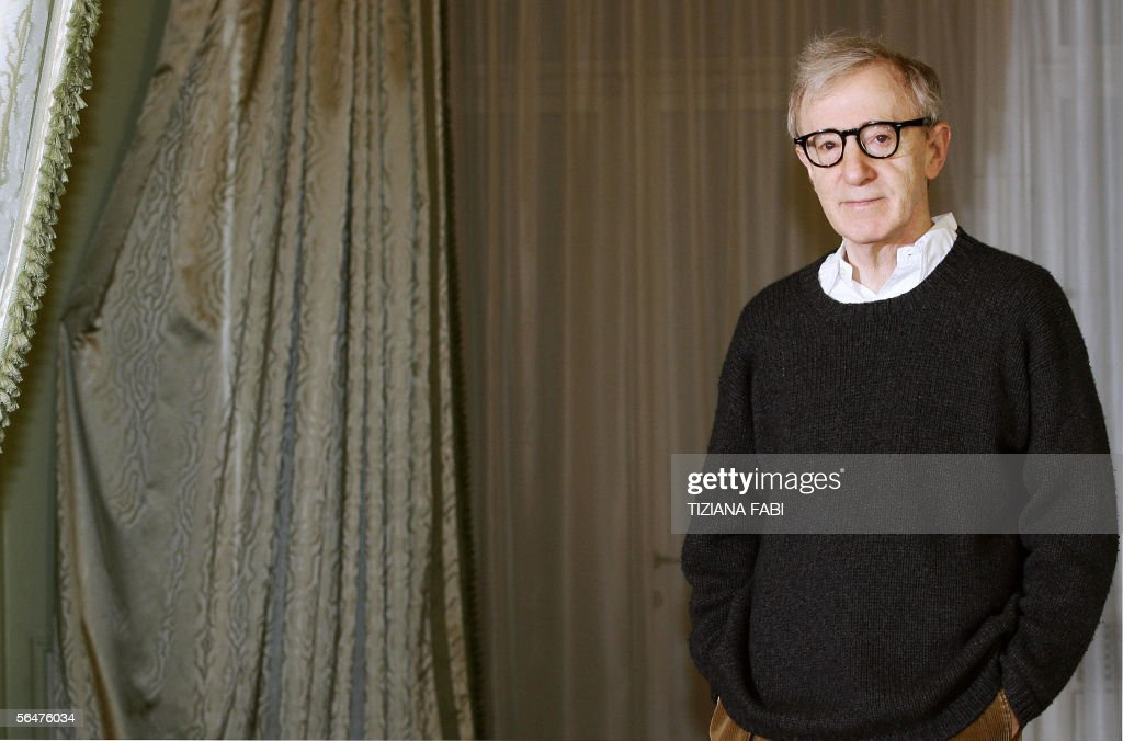 US Film director Woody Allen poses during a photocall of 'Match Point', in Rome 21 December 2005.