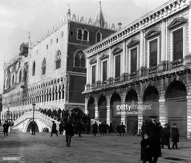 Italy Veneto Venezia Doge's Palace 1921 Photographer Frankl Published by 'Zeitbilder' 04/1921Vintage property of ullstein bild