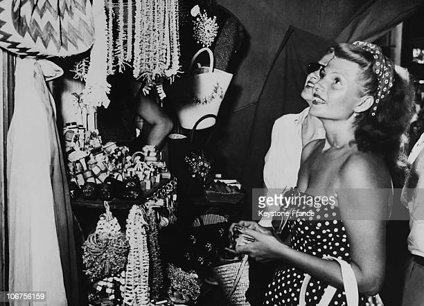 ItalyCapri Rita Hayworth Shopping July1950