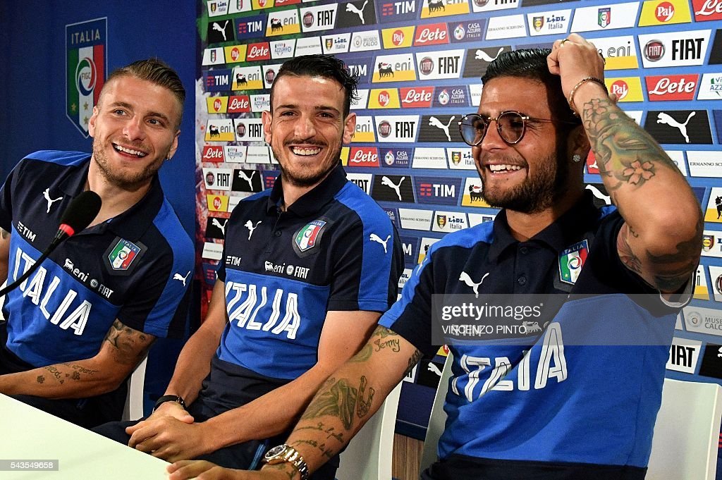 Italy's forward Ciro Immobile (L), Italy's midfielder Alessandro Florenzi (C) and Italy's forward Lorenzo Insigne arrive for a press conference following a training session at their training ground in Montpellier on June 29, 2016 during the Euro 2016 football tournament. / AFP / VINCENZO