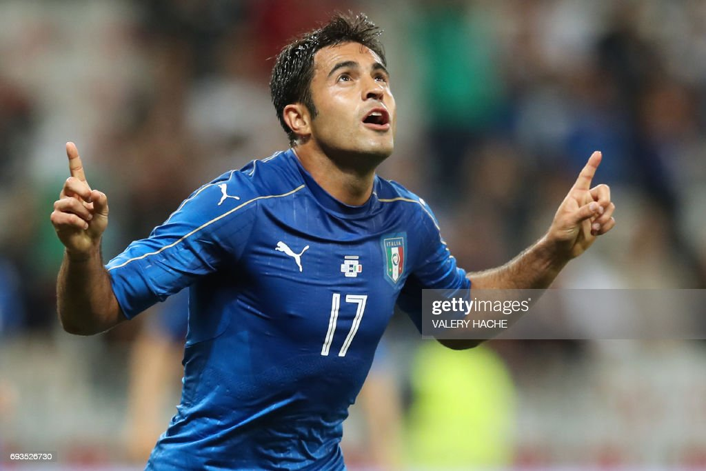 Italy's forward Eder celebrates after scoring a goal during the friendly football match Italy vs Uruguay at the Allianz Riviera Stadium in Nice, southern France, on June 7, 2017. /