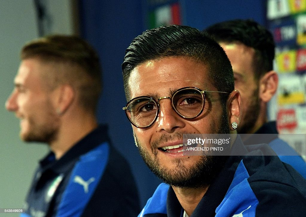 Italy's forward Lorenzo Insigne arrive for a press conference following a training session at their training ground in Montpellier on June 29, 2016 during the Euro 2016 football tournament. / AFP / VINCENZO