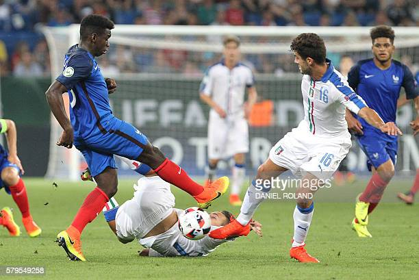 Italy's forward Patrick Cutrone and France's defender ChristEmmanuel Maouassa vie for the ball during the Under 19 Football European Championships...