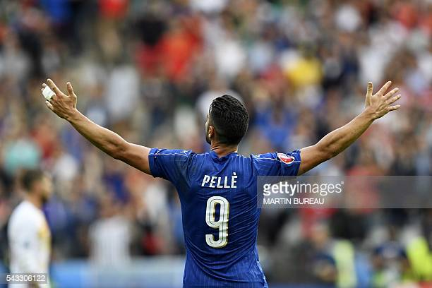 Italy's forward Pelle celebrate scoring the second and winning goal for Italy in the Euro 2016 round of 16 football match between Italy and Spain at...