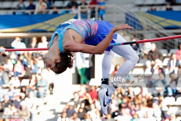 Italy's Gianmarco Tamberi competes in the High Jump Men event of Paris' Diamond League athletics meeting on July 1 2017 in Paris / AFP PHOTO / Thomas...