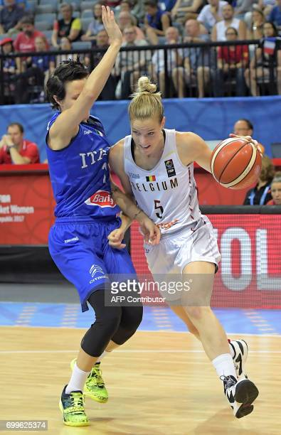 Italy's Giorgia Sottana blocks Belgium's Kim Mestdagh during the FIBA EuroBasket 2017 women's quarterfinal match between Belgium and Italy on June 22...