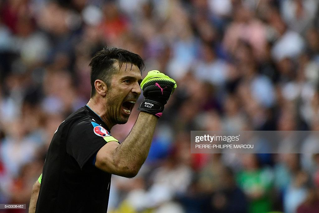 Italy's goalkeeper Gianluigi Buffon celebrates his team's win after the Euro 2016 round of 16 football match between Italy and Spain at the Stade de France stadium in Saint-Denis, near Paris, on June 27, 2016. MARCOU