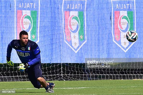Italy's goalkeeper Salvatore Sirigu eyes the ball during a training session at 'Portobello Resort' on June 16 2014 in Mangaratiba during the 2014...