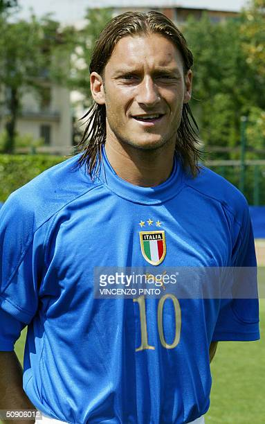 Italy's national soccer team striker Francesco Totti poses at the Coverciano training camp near Florence 27 May 2004 two weeks before the start of...