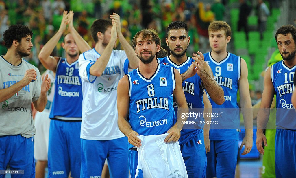 Italy's players greet supporters after loosing the FIBA Eurobasket quarter final match between Lithuania and Italy at the Stozice Arena in Ljubljana, on September 19, 2013.