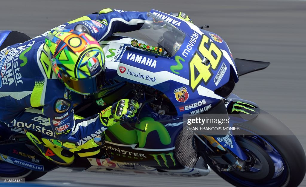 Italy's rider Valentino Rossi competes on his Movistar Yamaha MOTOGP N��46 during a motoGP free practice session, ahead of the French motorcycling Grand Prix, on May 6, 2016 in Le Mans. / AFP / JEAN