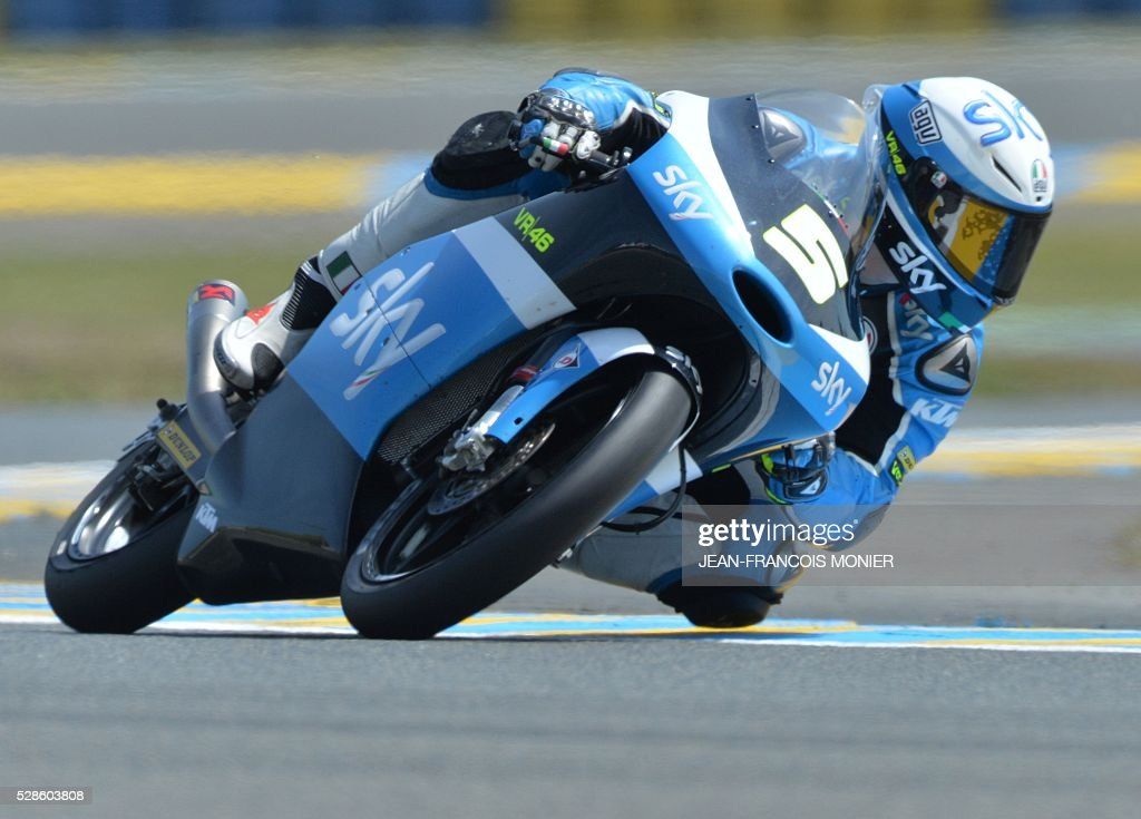 Italy's Romano Fenati competes on his KTM N��5 during a moto3 free practice session, ahead of the French motorcycling Grand Prix, on May 6, 2016 in Le Mans, northwestern France. / AFP / JEAN