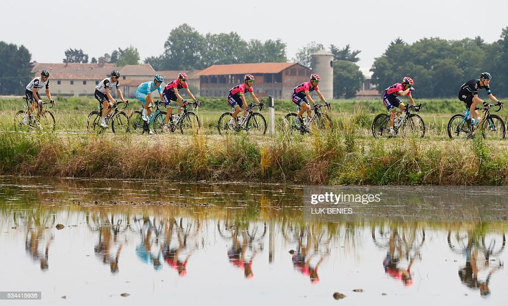 Italy's Vincenzo Nibali (3rdL) of team Astana rides with the peloton during the 18th stage of the 99th Giro d'Italia, Tour of Italy, from Muggio to Pinerolo on May 26, 2016.