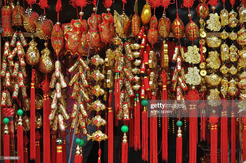 Items for sale are displayed at a market in Jakarta ahead of the Chinese Lunar New Year on February 6, 2013. The Chinese New Year of the Snake falls on February 10, 2013. AFP PHOTO / ADEK BERRY
