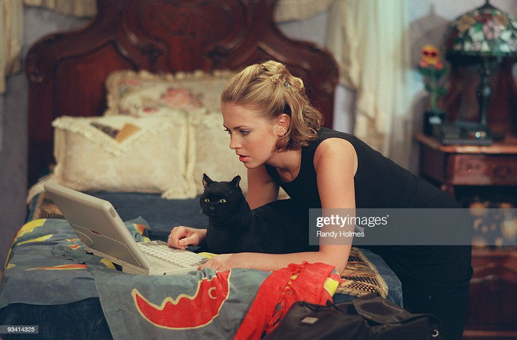 WITCH 'It's a Mad Mad Season Opener' Season Three 9/25/98 After Salem insults an online friend while playing chess he gets an unexpected visit from...