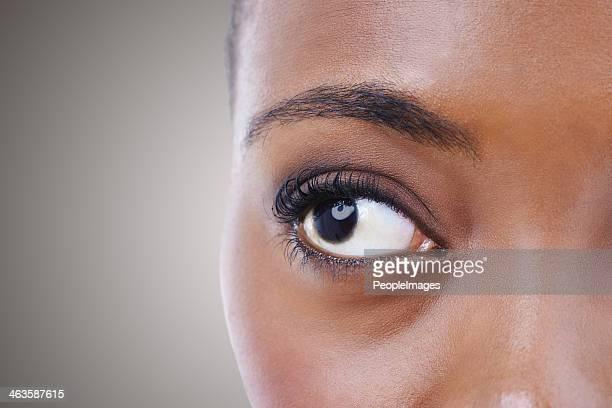 すべての目