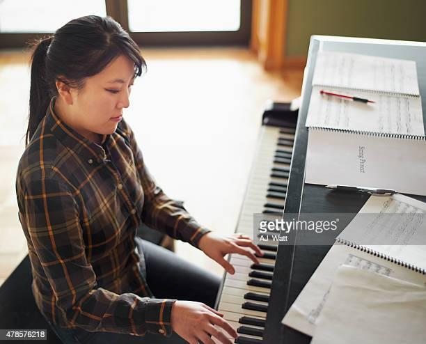 C'est à son et le piano