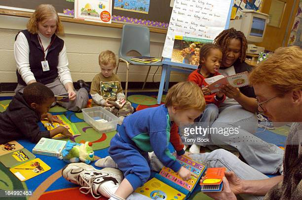 HUB 11/30/04 Its reading time in the Hub a class at Sir Winston Churchill School Brampton that brings young children and their parents into the...