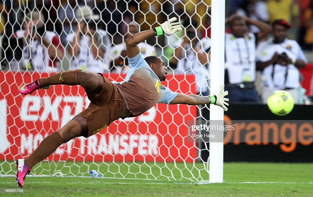 Itumeleng Khune, goal keeper of South Africa, fails to save the penalty by Cheick Tidiane Diabate of Mali during the 2013 African Cup of Nations Quarter-Final match between South Africa and Mali at Moses Mahbida Stadium on February 02, 2013 in Durban, South Africa.