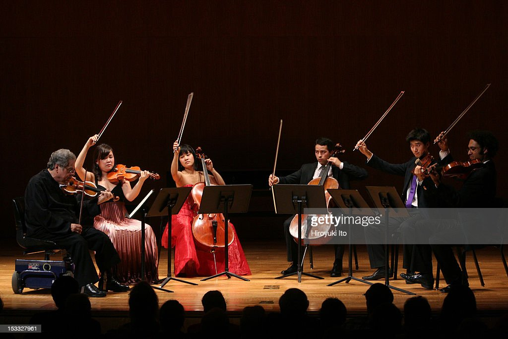 Itzhak Perlman and members of the Perlamn Music Program performing at the Metropolitan Museum on Saturday night October 3 2009This imageFrom left...