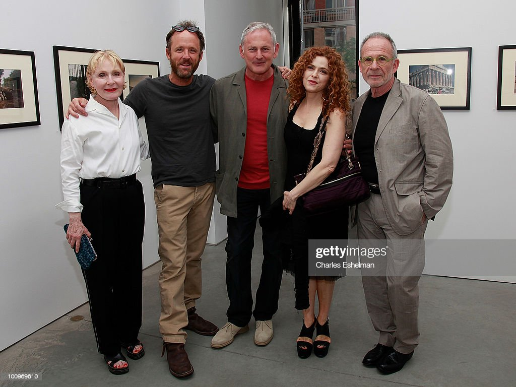 Iva Rifkin, actors John Benjamin Hickey, Victor Garber, Bernadette Peters and Ron Rifkin attend the photography exhibition opening for '1.3: New Color Images by Joel Grey' at Steven Kasher Gallery on May 25, 2010 in New York City.