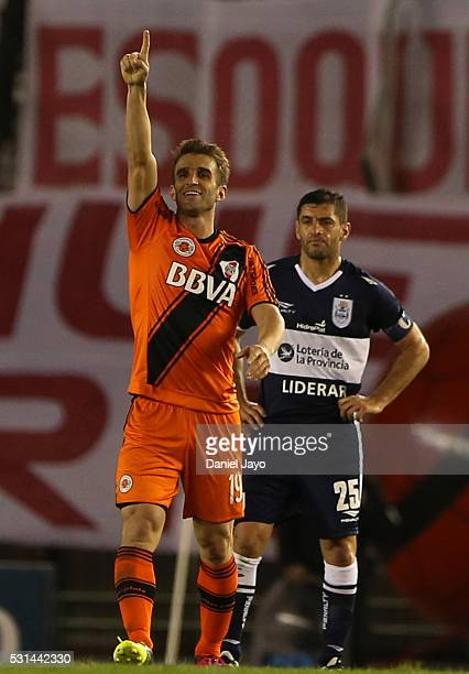 Ivan Alonso of River Plate celebrates after scoring the opening goal during a match between River Plate and Gimnasia y Esgrima La Plata as part of...