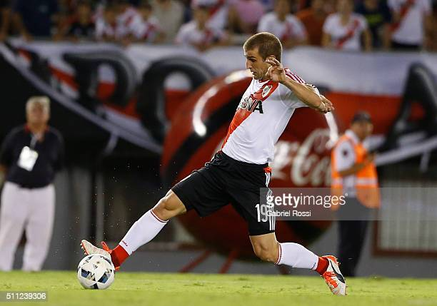 Ivan Alonso of River Plate controls the ball during a match between River Plate and Godoy Cruz as part of third round of Torneo Transicion 2016 at...